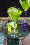 Πράσινο tequila και ξινό κοκτέιλ της Apple Στοκ Φωτογραφία