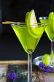 Πράσινο tequila και ξινό κοκτέιλ της Apple Στοκ εικόνα με δικαίωμα ελεύθερης χρήσης
