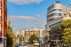 Πρίγκηπας Trubetskoy οδών Εικονική παράσταση πόλης με ένα οδόστρωμα, κατοικημένα κτήρια και ένα σπίτι Montblanc επιχειρησιακών γρ Στοκ Εικόνες