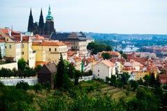 ΠΡΑΓΑ, ΔΗΜΟΚΡΑΤΊΑ ΤΗΣ ΤΣΕΧΊΑΣ - 21 ΑΥΓΟΎΣΤΟΥ 2012: άποψη της Πράγας, τσεχικά στοκ εικόνες