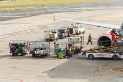 ΠΡΑΓΑ, ΔΗΜΟΚΡΑΤΊΑ ΤΗΣ ΤΣΕΧΊΑΣ - 16 ΙΟΥΝΊΟΥ 2017: Διεθνής αερολιμένας του Βάτσλαβ Χάβελ Πράγα, Ruzyne, Δημοκρατία της Τσεχίας επιβ Στοκ Εικόνες