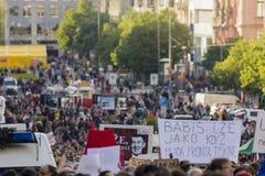 ΠΡΑΓΑ, ΔΗΜΟΚΡΑΤΊΑ ΤΗΣ ΤΣΕΧΊΑΣ - 15 ΜΑΐΟΥ 2017: Επίδειξη στην πλατεία της Πράγας Wenceslas ενάντια στην τρέχοντα κυβέρνηση και το  Στοκ Εικόνα