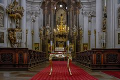 ΠΡΑΓΑ - ΔΗΜΟΚΡΑΤΊΑ ΤΗΣ ΤΣΕΧΊΑΣ, στις 2 Σεπτεμβρίου 2017 Καθεδρικός ναός του ST επιεικής Εσωτερικός καθεδρικός ναός εκκλησιών διακ Στοκ Εικόνα