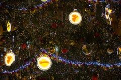 ΠΡΑΓΑ, ΔΗΜΟΚΡΑΤΊΑ ΤΗΣ ΤΣΕΧΊΑΣ - 9 12 2017: Χριστουγεννιάτικο δέντρο στην παλαιά πλατεία της πόλης στην Πράγα, Τσεχία Στοκ Εικόνες