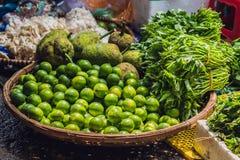Πρασινάδα στη βιετναμέζικη αγορά Ασιατική έννοια κουζίνας Στοκ Εικόνα