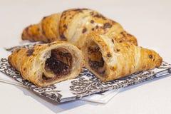 Πραλίνα Croissants σοκολάτας στοκ εικόνες