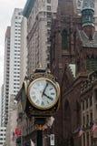 Πρεσβυτερική Εκκλησία Νέα Υόρκη 'Ενδείξεων ώρασ' πύργων ατού Στοκ φωτογραφίες με δικαίωμα ελεύθερης χρήσης