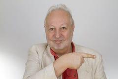 Πρεσβύτερος που δείχνει με το δάχτυλο Στοκ φωτογραφία με δικαίωμα ελεύθερης χρήσης