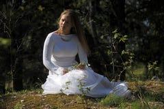 Πριγκήπισσα στο πάρκο Στοκ εικόνες με δικαίωμα ελεύθερης χρήσης