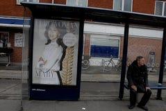 ΠΡΙΓΚΗΠΙΣΣΑ MARY ΚΟΡΩΝΩΝ ΣΤΗΝ ΚΑΛΥΨΗ ΚΑΙ ΤΟΝ ΠΙΝΑΚΑ ΔΙΑΦΗΜΊΣΕΩΝ Στοκ εικόνες με δικαίωμα ελεύθερης χρήσης