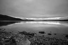 Πριν από το sunsire στα μέρη παραδείσου στη νότια Νέα Ζηλανδία/τη λίμνη Tekapo/την εκκλησία του καλού ποιμένα Στοκ Εικόνα