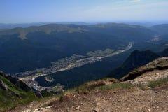Πριόνι Caraiman πόλεων Buteni Στοκ εικόνες με δικαίωμα ελεύθερης χρήσης