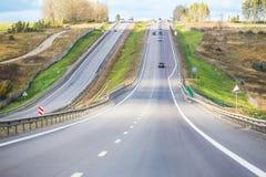 Προαστιακός νέος αυτοκινητόδρομος στοκ φωτογραφία