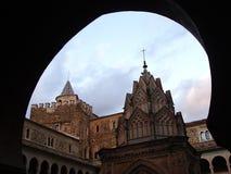 Προαύλιο του βασιλικού μοναστηριού της Σάντα Μαρία του Guadalupe στο Guadalupe Ισπανία στοκ εικόνες με δικαίωμα ελεύθερης χρήσης