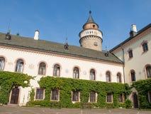 Προαύλιο του Castle Sychrov Νεογοτθικός πύργος ύφους κοντά σε Turnov, Δημοκρατία της Τσεχίας στοκ εικόνες