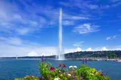 Προβολή ύδατος Δ ` EAU Ελβετία λιμνών της Γενεύης Geneve Στοκ Φωτογραφία