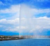Προβολή ύδατος Δ ` EAU Ελβετία λιμνών της Γενεύης Geneve Στοκ Εικόνες