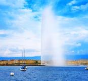 Προβολή ύδατος Δ ` EAU Ελβετία λιμνών της Γενεύης Geneve Στοκ φωτογραφίες με δικαίωμα ελεύθερης χρήσης