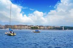 Προβολή ύδατος Δ ` EAU Ελβετία λιμνών της Γενεύης Geneve Στοκ Φωτογραφίες