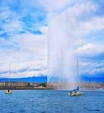 Προβολή ύδατος Δ ` EAU Ελβετία λιμνών της Γενεύης Geneve Στοκ φωτογραφία με δικαίωμα ελεύθερης χρήσης