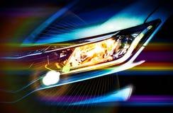 Προβολείς αυτοκινήτων με το σιτάρι, την επίδραση φλογών και το ζωηρό χρώμα εξωτερικό στοκ φωτογραφία με δικαίωμα ελεύθερης χρήσης