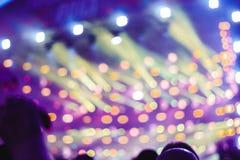 Προβολείς σε μια συναυλία στοκ φωτογραφίες