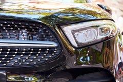 Προβολείς του γκρίζου αυτοκινήτου στοκ φωτογραφία με δικαίωμα ελεύθερης χρήσης