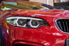 Προβολείς του κόκκινου αυτοκινήτου στοκ φωτογραφίες