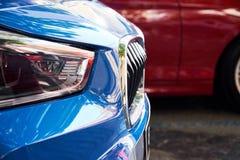 Προβολείς του μπλε αυτοκινήτου στοκ εικόνες
