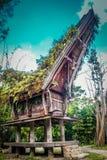 Προγονικό σπίτι με τις γλυπτικές στοκ φωτογραφία με δικαίωμα ελεύθερης χρήσης
