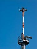 προειδοποίηση πύργων μπλε ουρανού ανασκόπησης στοκ εικόνες