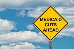 Προειδοποιητικό σημάδι Medicaid μπροστά στοκ εικόνες