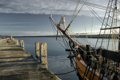 Προειδοποίηση! Υπάρχουν πειρατές στο λιμένα Στοκ φωτογραφία με δικαίωμα ελεύθερης χρήσης