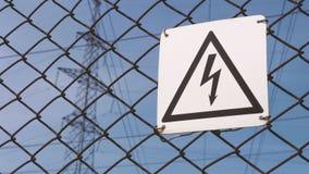 Προειδοποιητικό σημάδι του κινδύνου Υψηλής τάσεως ηλεκτρικός υποσταθμός Πιθανότητα της ηλεκτροπληξίας Ηλεκτρικά καλώδια φιλμ μικρού μήκους