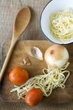 Προετοιμάστε τα μαγειρεύοντας ζυμαρικά Στοκ Εικόνες