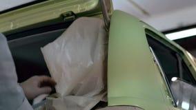 Προετοιμασία αυτοκινήτων για τη ζωγραφική και το συντονισμό απόθεμα βίντεο