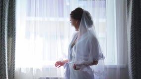 Προετοιμασία νυφών πρωινού στη ημέρα γάμου απόθεμα βίντεο