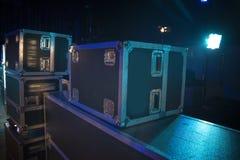 Προετοιμασία της σκηνής για μια συναυλία στοκ εικόνα με δικαίωμα ελεύθερης χρήσης