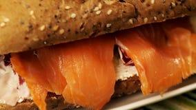 Προετοιμασία του σάντουιτς απόθεμα βίντεο