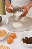 Προετοιμασία των σπιτικών μπισκότων Στοκ εικόνα με δικαίωμα ελεύθερης χρήσης