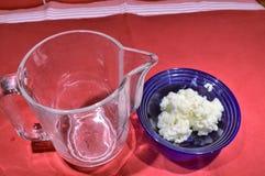 Προετοιμασία kefir γάλακτος στοκ φωτογραφία με δικαίωμα ελεύθερης χρήσης