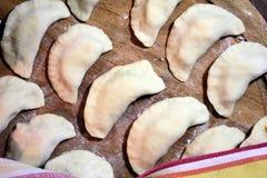 Προετοιμασμένος για το μαγείρεμα των μπουλεττών στοκ εικόνες με δικαίωμα ελεύθερης χρήσης