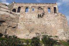 Προηγούμενο βυζαντινό παλάτι στη Ιστανμπούλ χωρίς αποκατάσταση Στοκ φωτογραφίες με δικαίωμα ελεύθερης χρήσης