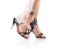 Προκλητικά θηλυκά πόδια με τις κιλότες Στοκ φωτογραφίες με δικαίωμα ελεύθερης χρήσης
