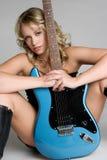 προκλητική γυναίκα κιθάρων Στοκ Εικόνες