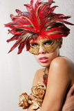 προκλητική γυναίκα μασκώ&nu στοκ φωτογραφία με δικαίωμα ελεύθερης χρήσης