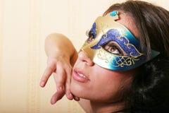 προκλητική γυναίκα μασκώ&nu στοκ φωτογραφία