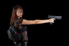 προκλητική γυναίκα πυροβόλων όπλων στοκ φωτογραφία με δικαίωμα ελεύθερης χρήσης
