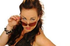 Προκλητική γυναίκα στα γυαλιά ηλίου Στοκ Φωτογραφίες