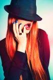 Προκλητική γυναίκα στο καπέλο Στοκ φωτογραφίες με δικαίωμα ελεύθερης χρήσης